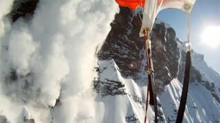 Descente en ski puis parachute !