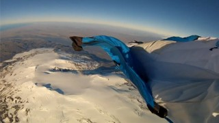 Basejumping et wingsuit