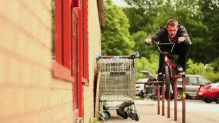 BMX : Mix de tricks et figures