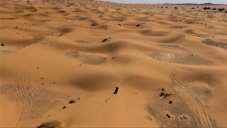 Stunt Moto Sable avec Julien Welsch en plein désert !