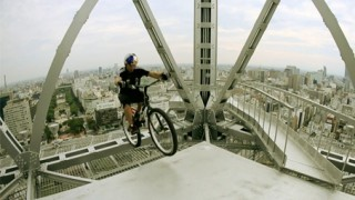 VTT Trial : Kenny Belaey et la tour de Nagoya !
