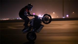 Stunt moto : Ernie Vigil