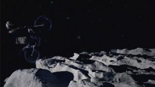 Julien Dupont sur la Lune !
