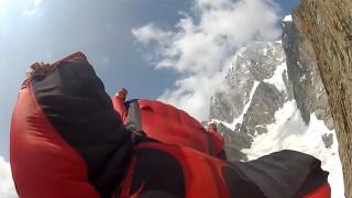 Wingsuit : Roch Malnuit – Aiguille Noire de Peuterey