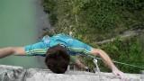 Domen Skofic escalade le pont Solkan !