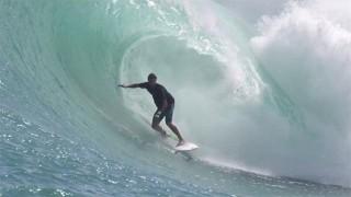 Les vagues parfaites d'Indonésie avec Ian Walsh !