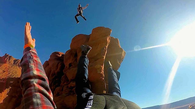 base jumping monolithe moab