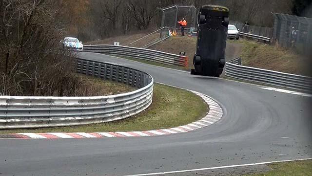 Crash Nissan GT-R Nüburgring
