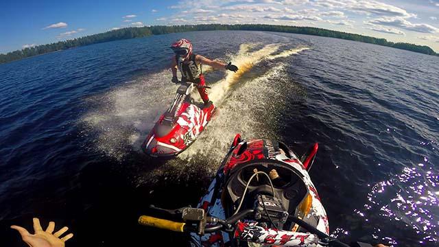 motoneige sur l'eau