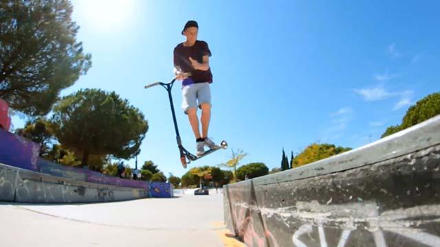 Trottinette freestyle de Lucas Di Meglio