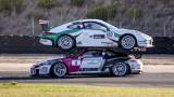 Accident Insolite : Une Porsche sur le toit d'une Porsche !