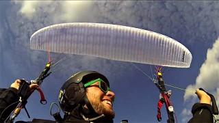 C'est la vie : Parapente acrobatique et Base Jump