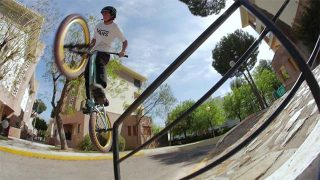 Tricks BMX d'Alex Donnachie
